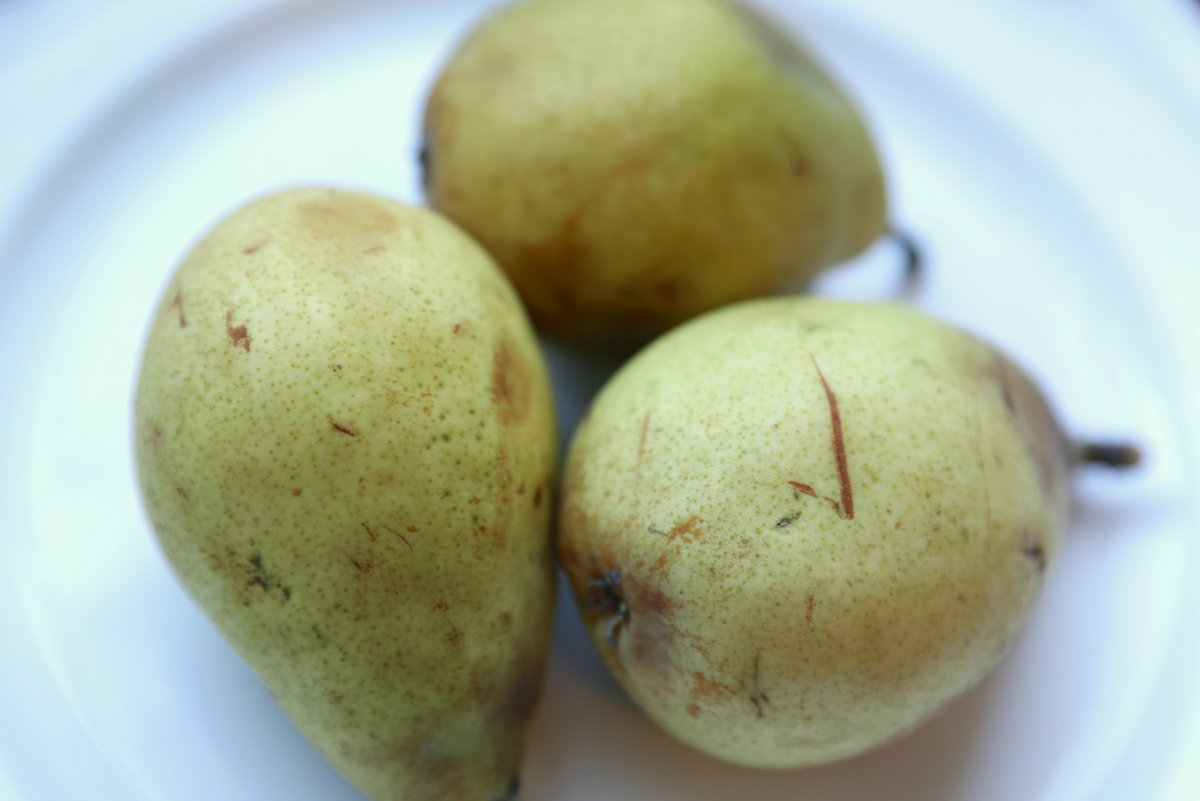 What to do with overripe pears