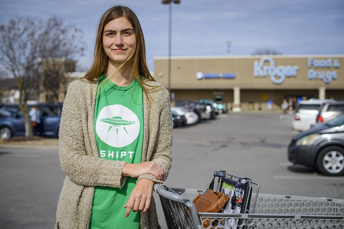 This Shipt Shopper Makes $17/Hour Delivering Groceries