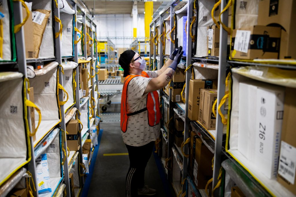 Amazon Is Hiring 100,000 Seasonal Workers. Wages Start at $15